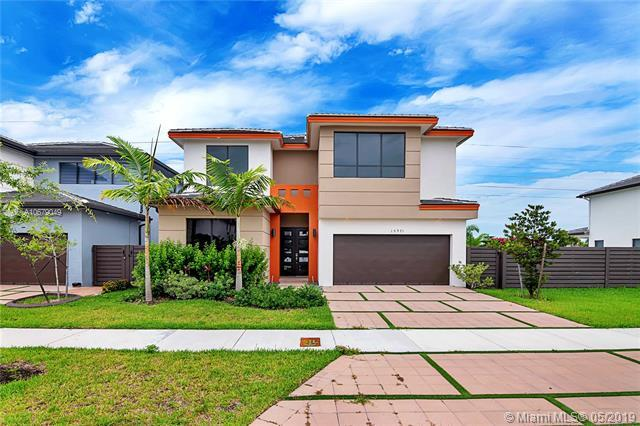 15971 SW 136th Ter, Miami, FL 33196 (MLS #A10679049) :: The Jack Coden Group
