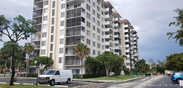 4164 Inverrary Dr #802, Lauderhill, FL 33319 (MLS #A10679050) :: Green Realty Properties