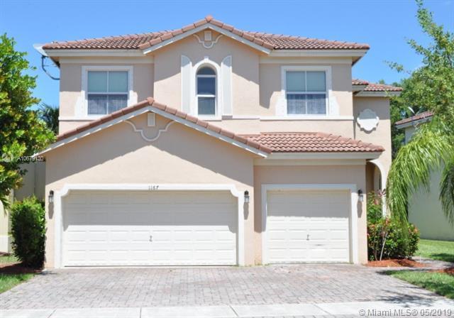 1167 NE 37th Pl, Homestead, FL 33033 (MLS #A10679130) :: Green Realty Properties