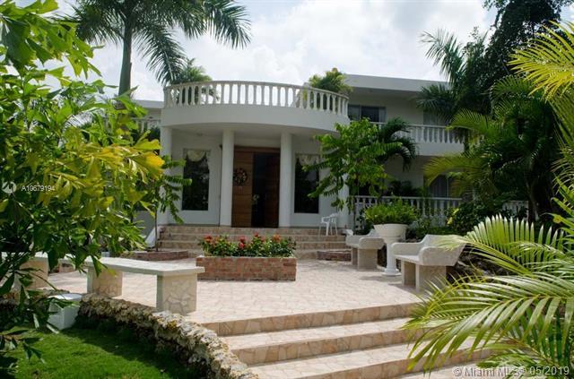 Club Campestre Urbanizacion Los Campanos Casa #17, Other County - Not In Usa, FL 23405 (MLS #A10679194) :: Grove Properties