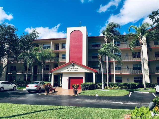 1000 SW 128th Ter 204V, Pembroke Pines, FL 33027 (MLS #A10679221) :: The Rose Harris Group