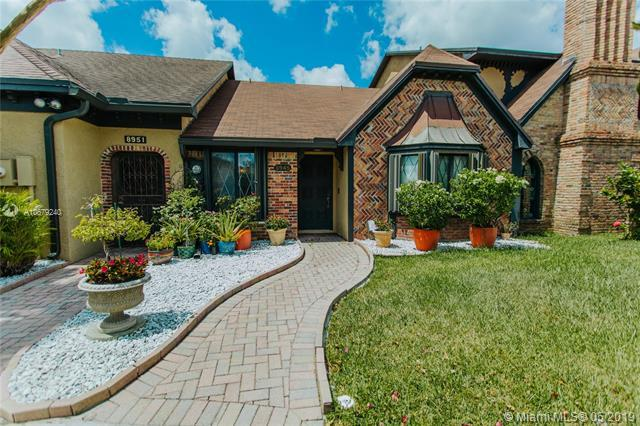 8945 NW 44 Court #8945, Sunrise, FL 33351 (MLS #A10679240) :: RE/MAX Presidential Real Estate Group