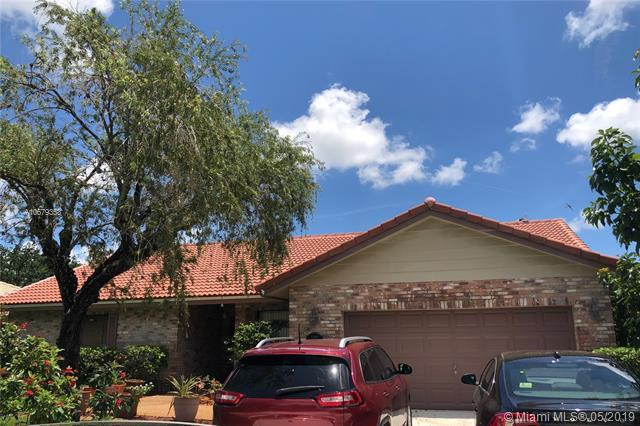 4327 NW 70th Ln, Coral Springs, FL 33065 (MLS #A10679353) :: The Riley Smith Group