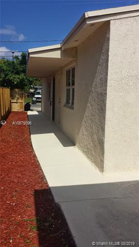 34 SW 6th Ave, Dania Beach, FL 33004 (MLS #A10679396) :: RE/MAX Presidential Real Estate Group
