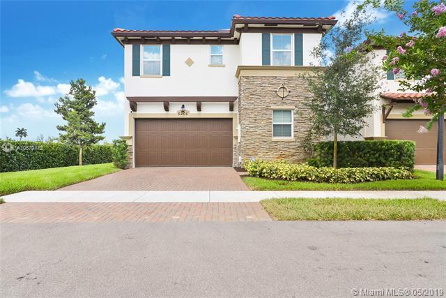 5206 Golden Eagle Ter, Davie, FL 33314 (MLS #A10679442) :: The Brickell Scoop