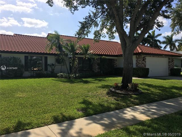 330 NW 195th Ave, Pembroke Pines, FL 33029 (MLS #A10679450) :: RE/MAX Presidential Real Estate Group
