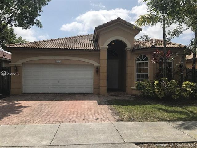 8525 NW 110th Pl, Doral, FL 33178 (MLS #A10679478) :: EWM Realty International