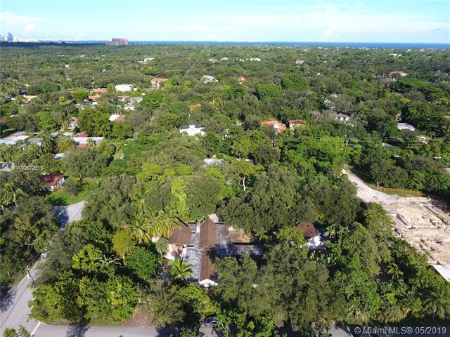 5396 SW 80th St, Miami, FL 33143 (MLS #A10679519) :: The Jack Coden Group