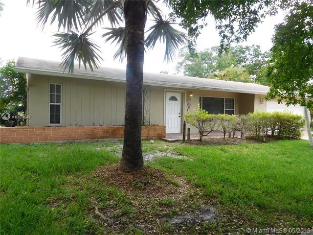 1750 NW 107th Ave, Pembroke Pines, FL 33026 (MLS #A10679543) :: Green Realty Properties