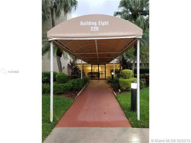 220 Lakeview Dr #103, Weston, FL 33326 (MLS #A10679688) :: Green Realty Properties