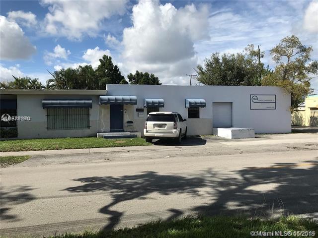 1800 N 20th Ave, Hollywood, FL 33020 (MLS #A10679692) :: EWM Realty International