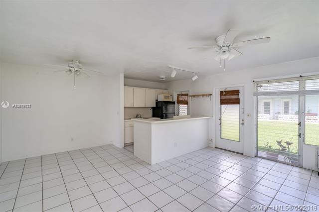 North Miami, FL 33181 :: The Riley Smith Group