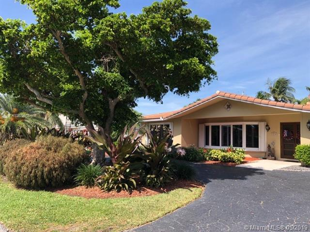 3315 NE 27th Ter, Lighthouse Point, FL 33064 (MLS #A10679915) :: The Edge Group at Keller Williams