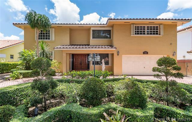 7881 NW 169 TER, Miami Lakes, FL 33016 (MLS #A10679926) :: Green Realty Properties