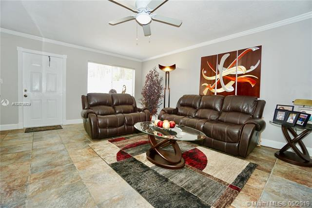 3715 NW 84th Ave 7B, Sunrise, FL 33351 (MLS #A10679939) :: RE/MAX Presidential Real Estate Group