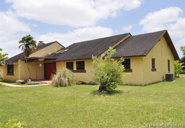 17150 SW 274th St, Homestead, FL 33031 (MLS #A10679958) :: RE/MAX Presidential Real Estate Group