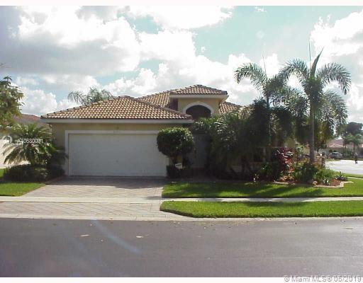 2424 NW 139 Ave, Sunrise, FL 33323 (MLS #A10680091) :: Green Realty Properties