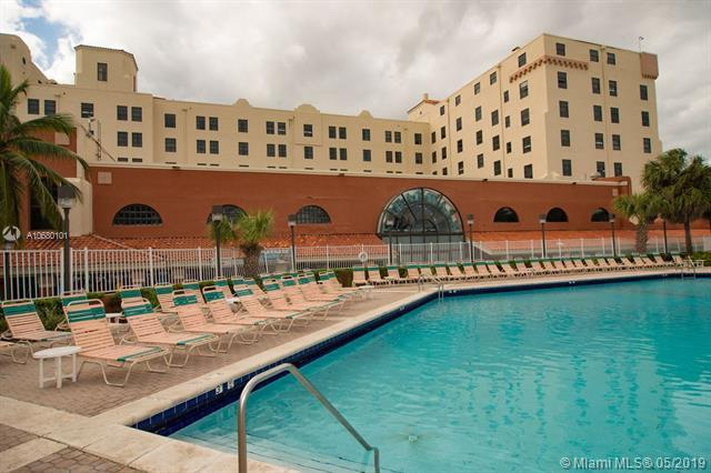 101 N Ocean Dr #327, Hollywood, FL 33019 (MLS #A10680101) :: The Jack Coden Group