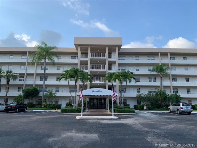 3930 Oaks Clubhouse Dr #206, Pompano Beach, FL 33069 (MLS #A10680222) :: United Realty Group