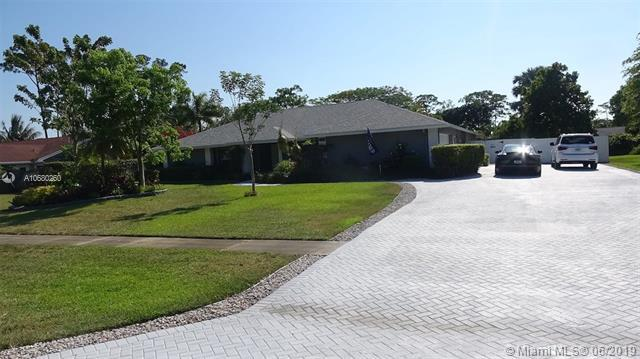 413 S Old Country Rd S, Wellington, FL 33414 (MLS #A10680260) :: The Teri Arbogast Team at Keller Williams Partners SW