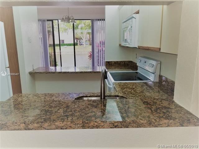 3967 Cocoplum Cir F, Coconut Creek, FL 33063 (MLS #A10680467) :: EWM Realty International