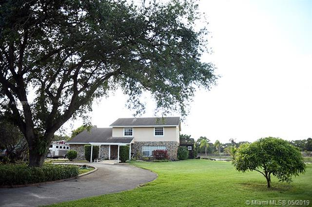 4801 SW 193rd Ln, Southwest Ranches, FL 33332 (MLS #A10680776) :: RE/MAX Presidential Real Estate Group