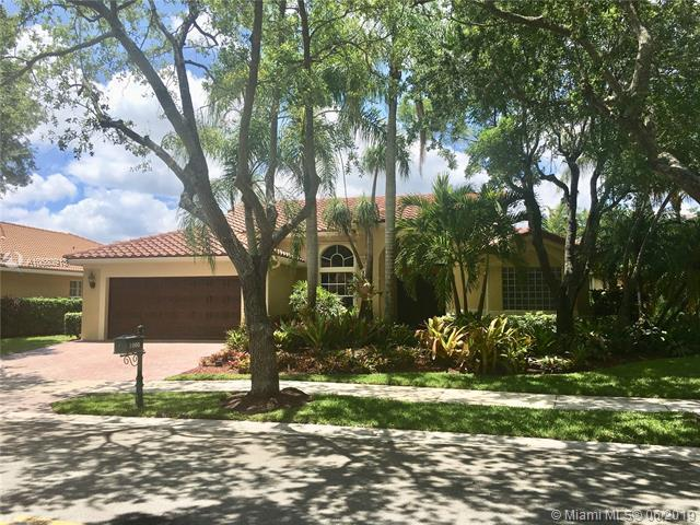 1005 Fairfax Ln, Weston, FL 33326 (MLS #A10680913) :: The Teri Arbogast Team at Keller Williams Partners SW