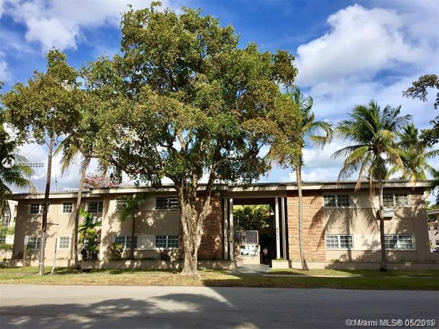 6511 Santona St C11, Coral Gables, FL 33146 (MLS #A10681530) :: Green Realty Properties