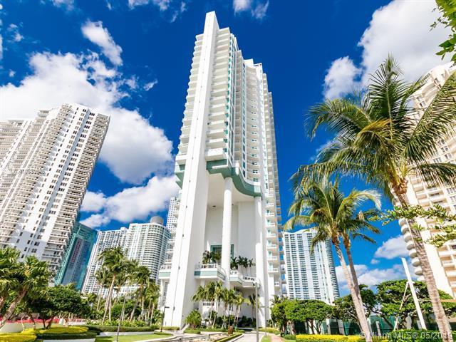 900 E Brickell Key Blvd #2004, Miami, FL 33131 (MLS #A10681625) :: Grove Properties