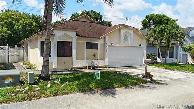 North Lauderdale, FL 33068 :: The Teri Arbogast Team at Keller Williams Partners SW
