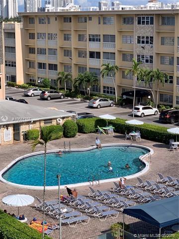 329 SE 3rd St 402S, Hallandale, FL 33009 (MLS #A10681758) :: Berkshire Hathaway HomeServices EWM Realty