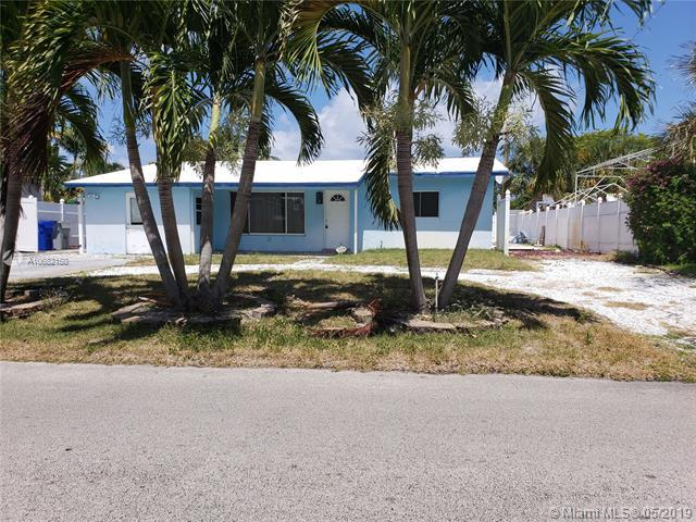 3210 NE 9th Ave, Pompano Beach, FL 33064 (MLS #A10682150) :: EWM Realty International
