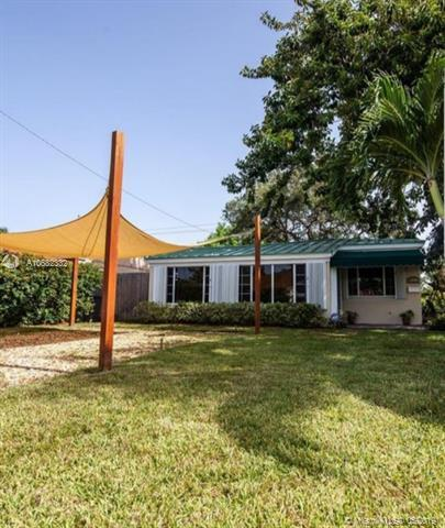 1400 NE 176 ST, North Miami Beach, FL 33162 (MLS #A10682332) :: The Teri Arbogast Team at Keller Williams Partners SW