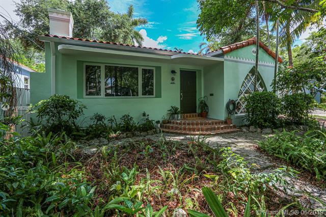 237 NE 86th St, El Portal, FL 33138 (MLS #A10682855) :: Grove Properties