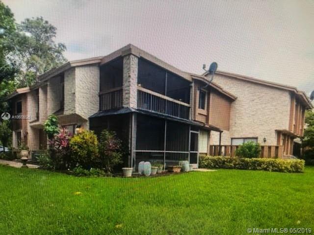 144 Wimbledon Lake Dr 17-110, Plantation, FL 33324 (MLS #A10683025) :: The Teri Arbogast Team at Keller Williams Partners SW