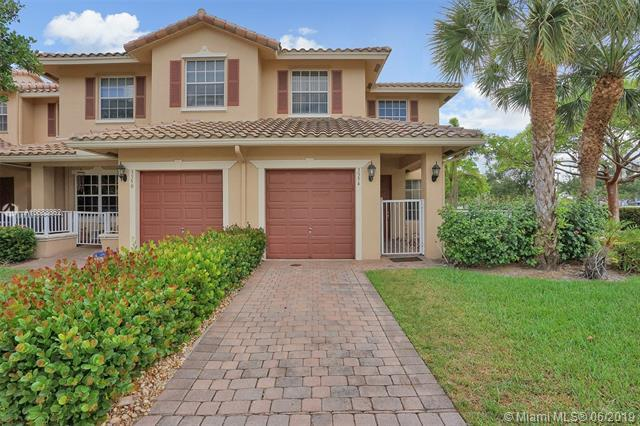 3354 Lakeside Dr #54, Davie, FL 33328 (MLS #A10683862) :: Berkshire Hathaway HomeServices EWM Realty