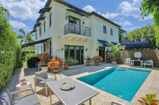 301 Santander Av, Coral Gables, FL 33134 (MLS #A10684051) :: Grove Properties