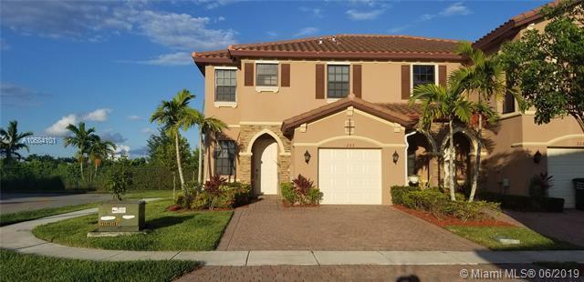 203 SE 37th Pl #203, Homestead, FL 33033 (MLS #A10684101) :: Berkshire Hathaway HomeServices EWM Realty