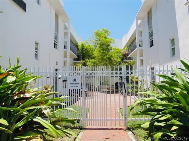 320 80 #7, Miami Beach, FL 33141 (MLS #A10684118) :: Green Realty Properties