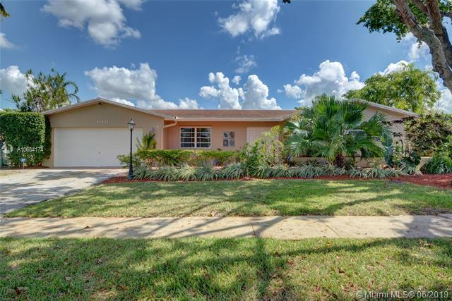 11411 NW 21st St, Pembroke Pines, FL 33026 (MLS #A10684174) :: Green Realty Properties