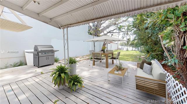 6407 W 16th Ave, Hialeah, FL 33012 (MLS #A10684220) :: Green Realty Properties