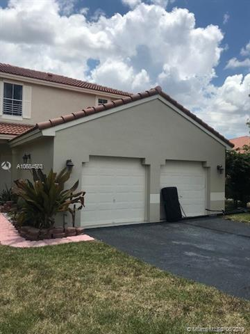 1971 Nw 184th Ter, Pembroke Pines, FL 33029 (MLS #A10684583) :: Green Realty Properties
