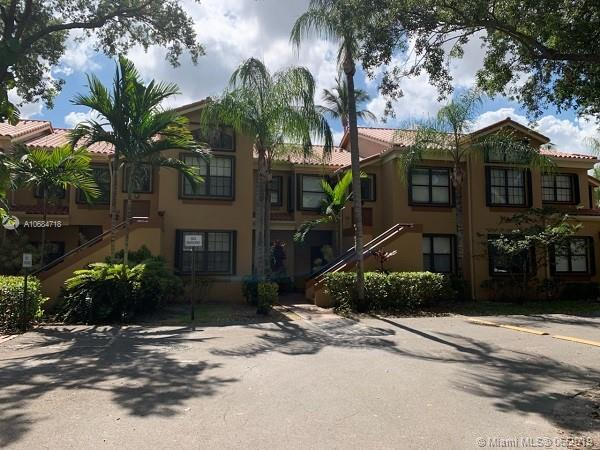 15569 N Miami Lakeway N #202, Miami Lakes, FL 33014 (MLS #A10684718) :: The Jack Coden Group