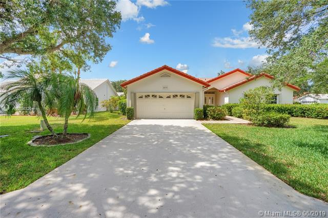 10111 NW 23rd St, Coral Springs, FL 33065 (MLS #A10684726) :: The Brickell Scoop