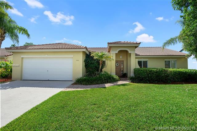 19921 Cutler Ct, Cutler Bay, FL 33189 (MLS #A10685288) :: Green Realty Properties