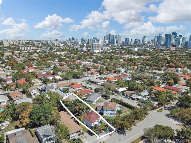 1117 SW 13th St, Miami, FL 33129 (MLS #A10685344) :: The Brickell Scoop