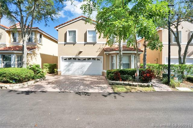 1131 Scarlet Oak St, Hollywood, FL 33019 (MLS #A10685348) :: Ray De Leon with One Sotheby's International Realty
