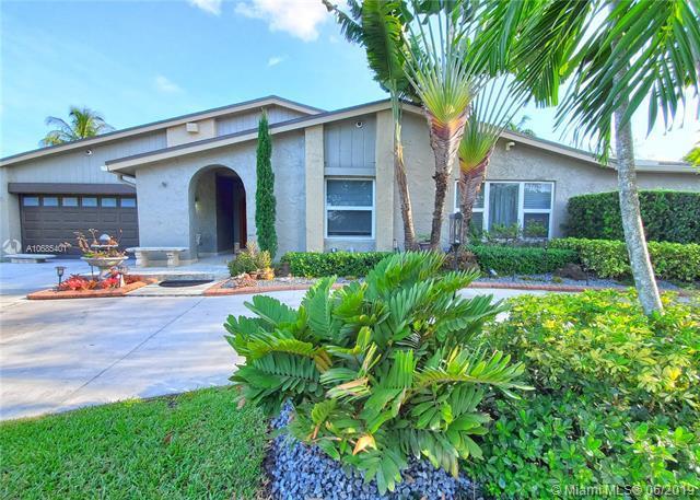 12791 SW 108th St, Miami, FL 33186 (MLS #A10685401) :: EWM Realty International