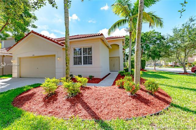 593 Pigeon Plum Way, Weston, FL 33327 (MLS #A10685464) :: EWM Realty International
