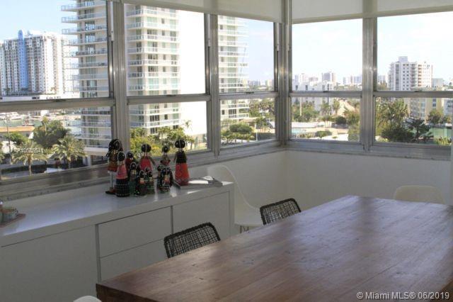 11 Island #812, Miami Beach, FL 33139 (MLS #A10685541) :: The Brickell Scoop